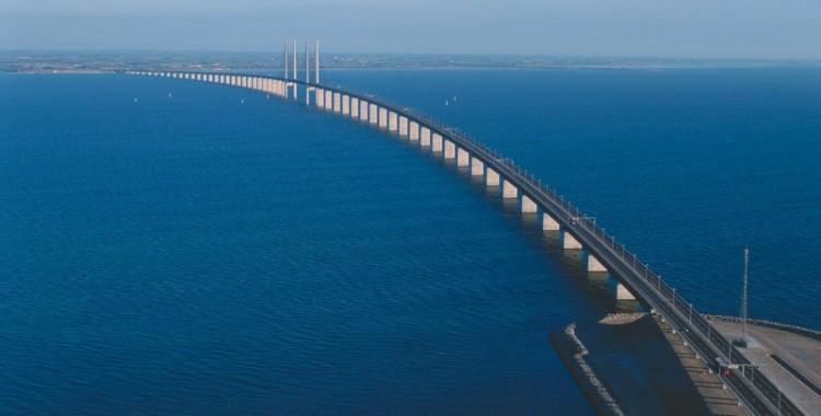 oresund-bridge-tunnel-connects-denmark-and-sweden-6
