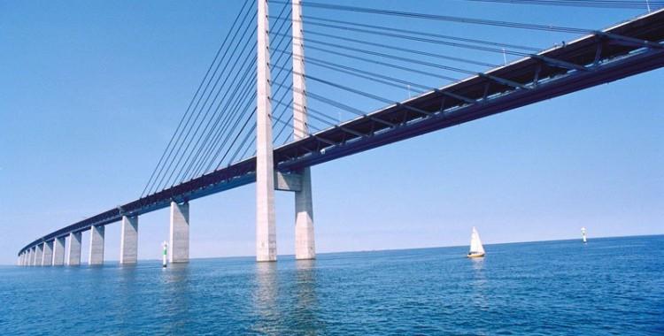 oresund-bridge-tunnel-connects-denmark-and-sweden-7