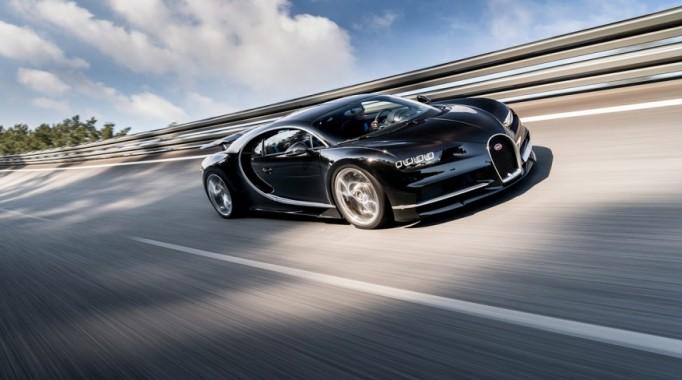 2017-Bugatti-Chiron-1012-876×535