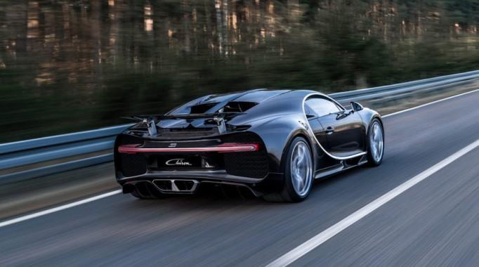2017-Bugatti-Chiron-1042-876×535