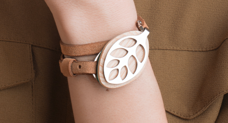 476554-bellabeat-leaf-activity-tracker-worn-as-bracelet