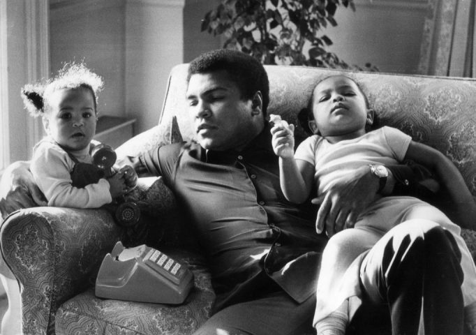 Muhammad Ali with his daughters Laila (9 months) and Hanna (2 years, 5 months) at Grosvenor House, Dec. 19, 1978. Frank Tewkesbury/Evening Standard/Getty Images